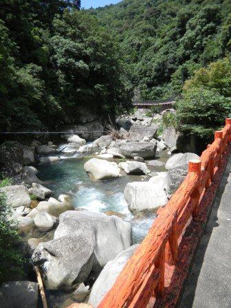 奇絶峡の風景・滝見橋から下流